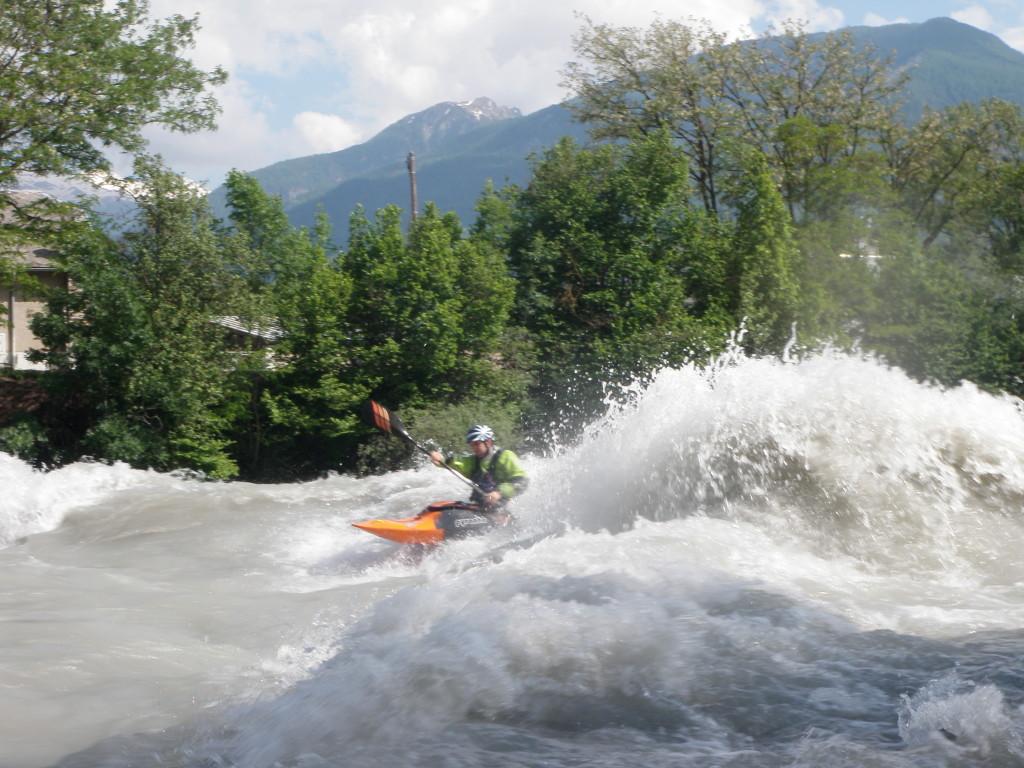 Fabian dans la vague de la Clapière
