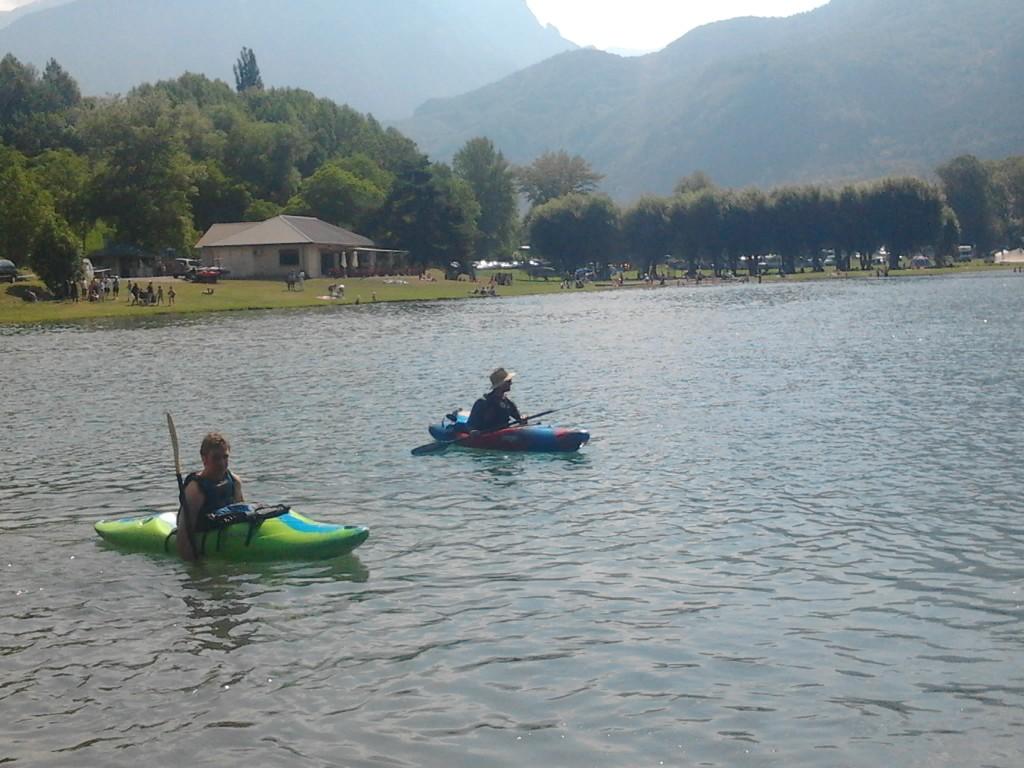 Laurent et Julien attendent la meute de nageurs